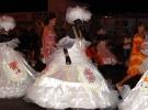 021) w kobiece suknie