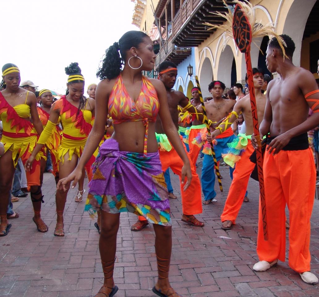 015) Tancerki i tancerze