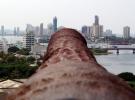 004) Widok ze starej fortyfikacji na nowoczesną