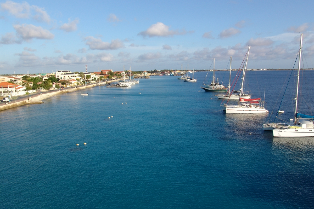 025) Postój na bojach w Bonaire
