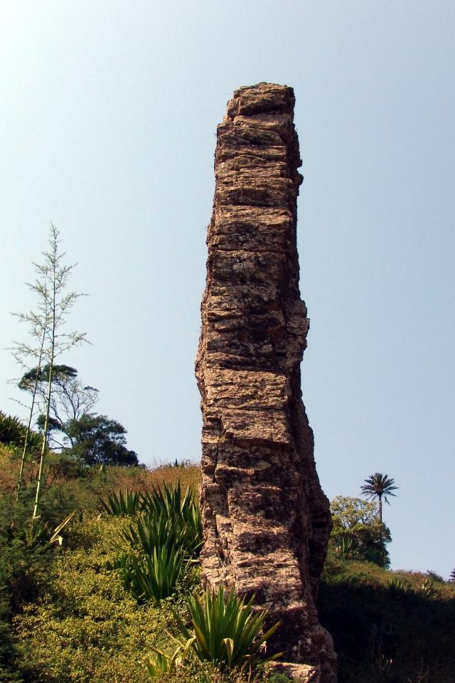 009) Płaskie skały