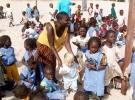 013a) Dzieci zostały pod opieką Matki i niańki