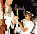 Pierwsza Komunia Św. Karolinki w polskim kościele w Rio