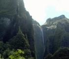 19) Wodospad z daleka jest piękny