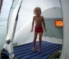 023) Pierwszy raz pod namiotem