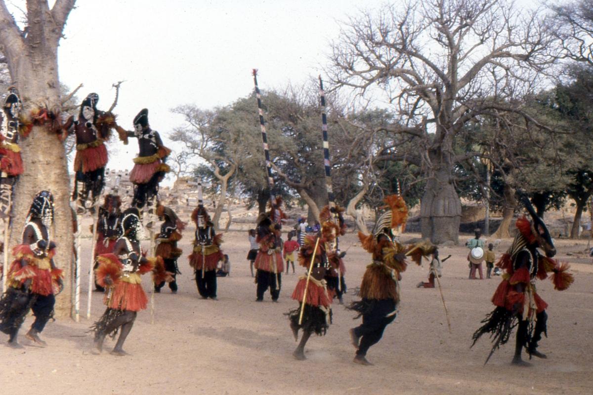 Tańczące maski Dogonów