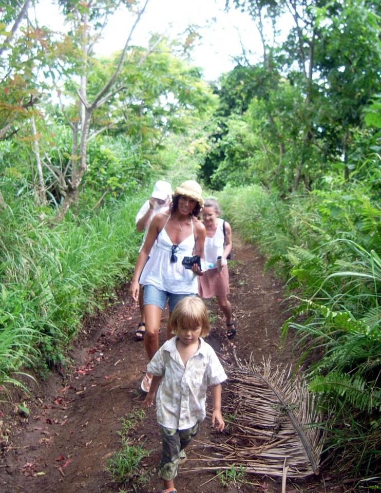 011) Wspólna wycieczka do wnętrza Wyspy