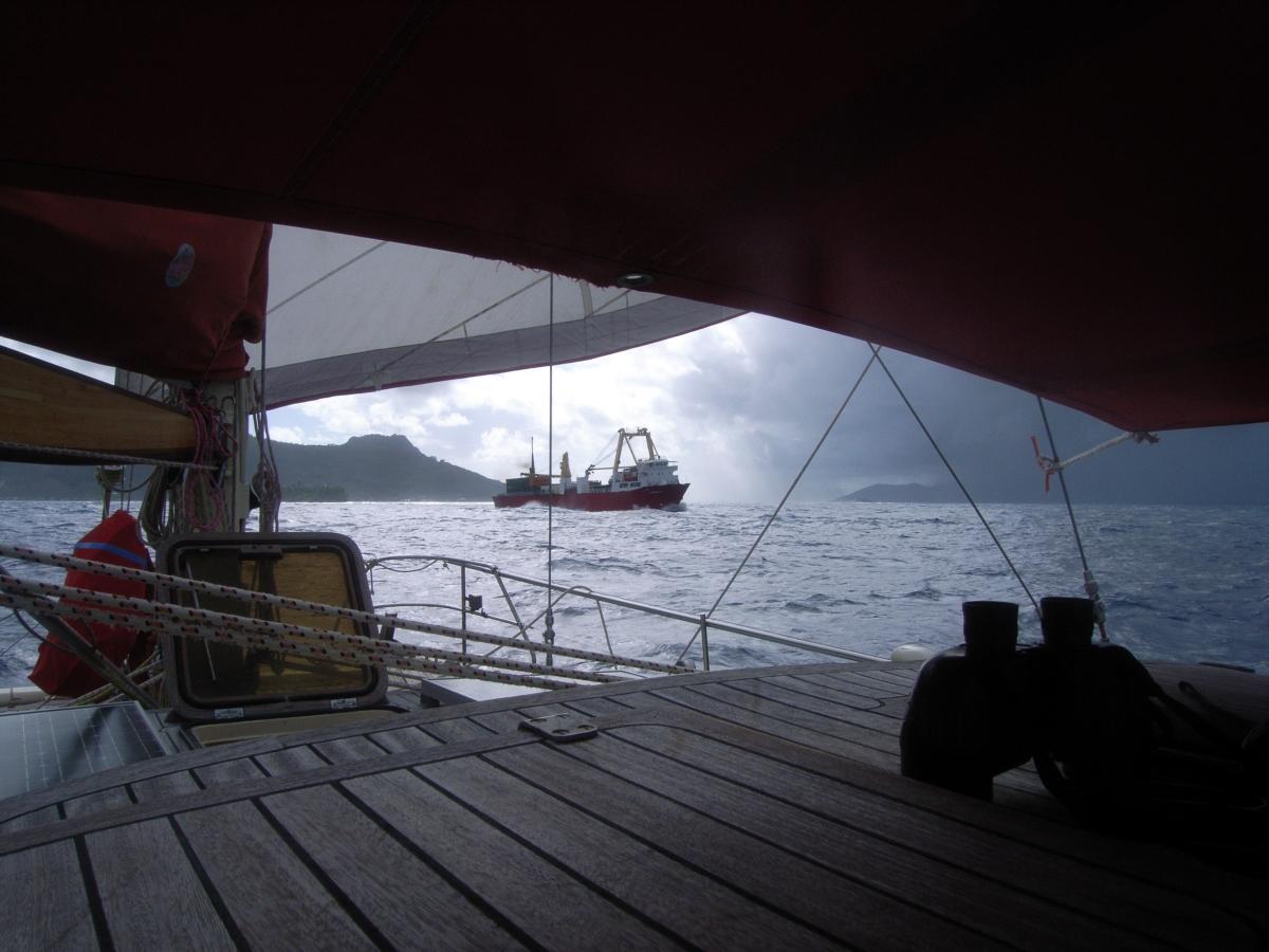 017) Kabotażowiec zaopatrujący Wyspy Polinezji Francuskiej