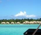 019) Popularny na Polinezji resort na palach